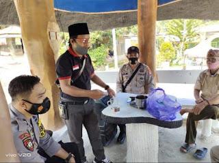 Bhabinkamtibmas Polsek Baraka Polres Enrekang Kontrol Pos Kamling Kampung Tangguh (Balla Ewako)