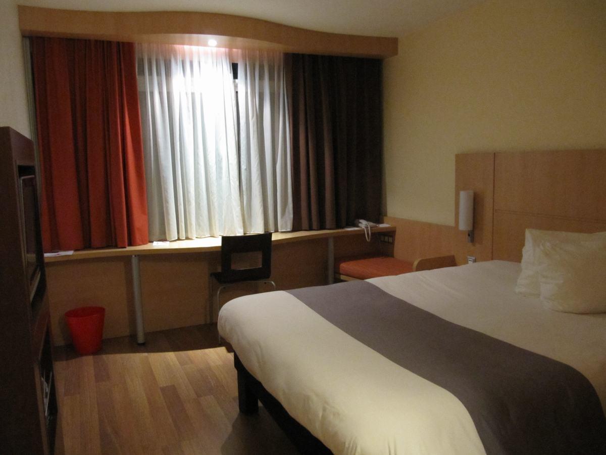 habitacion hotel Ibis de la plaza de los Héroes, ibis budapest, habitacion doble de hotel