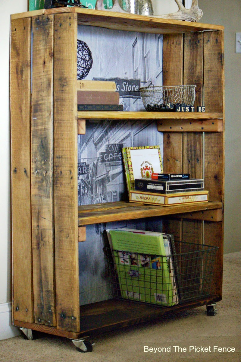 rustic, industrial, bookshelf, crate, old photo, loft style, beyond the picket fence, http://bec4-beyondthepicketfence.blogspot.com/2015/04/rustic-industrial-bookshelf.html
