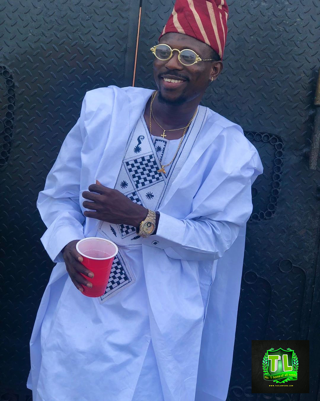 dhamxyz-shares-new-stunning-photos-as-he-step-out-in-style-2