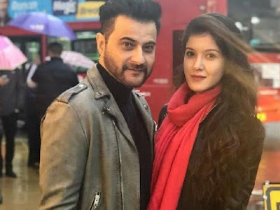sanjay kapoor with daughter
