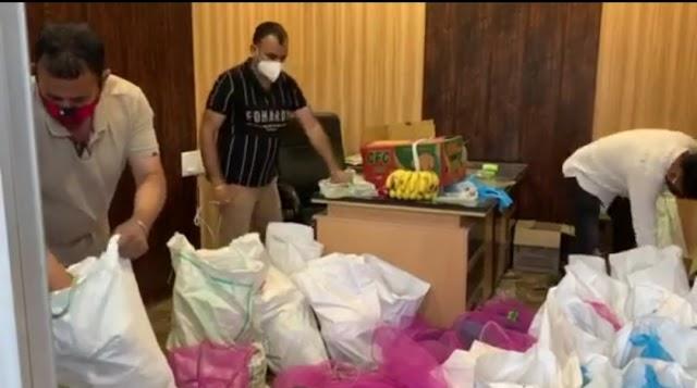 मंडी जिला में कांग्रेस प्रवक्ता योगेश सैनी कोरोना के दौरान कर रहे जरूरतमंद लोगों की खुले दिल से सेवा