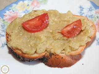 Salata de vinete pe paine reteta rapida cu ceapa ulei sare retete culinare mancare de post legume salate aperitiv gustare de casa,