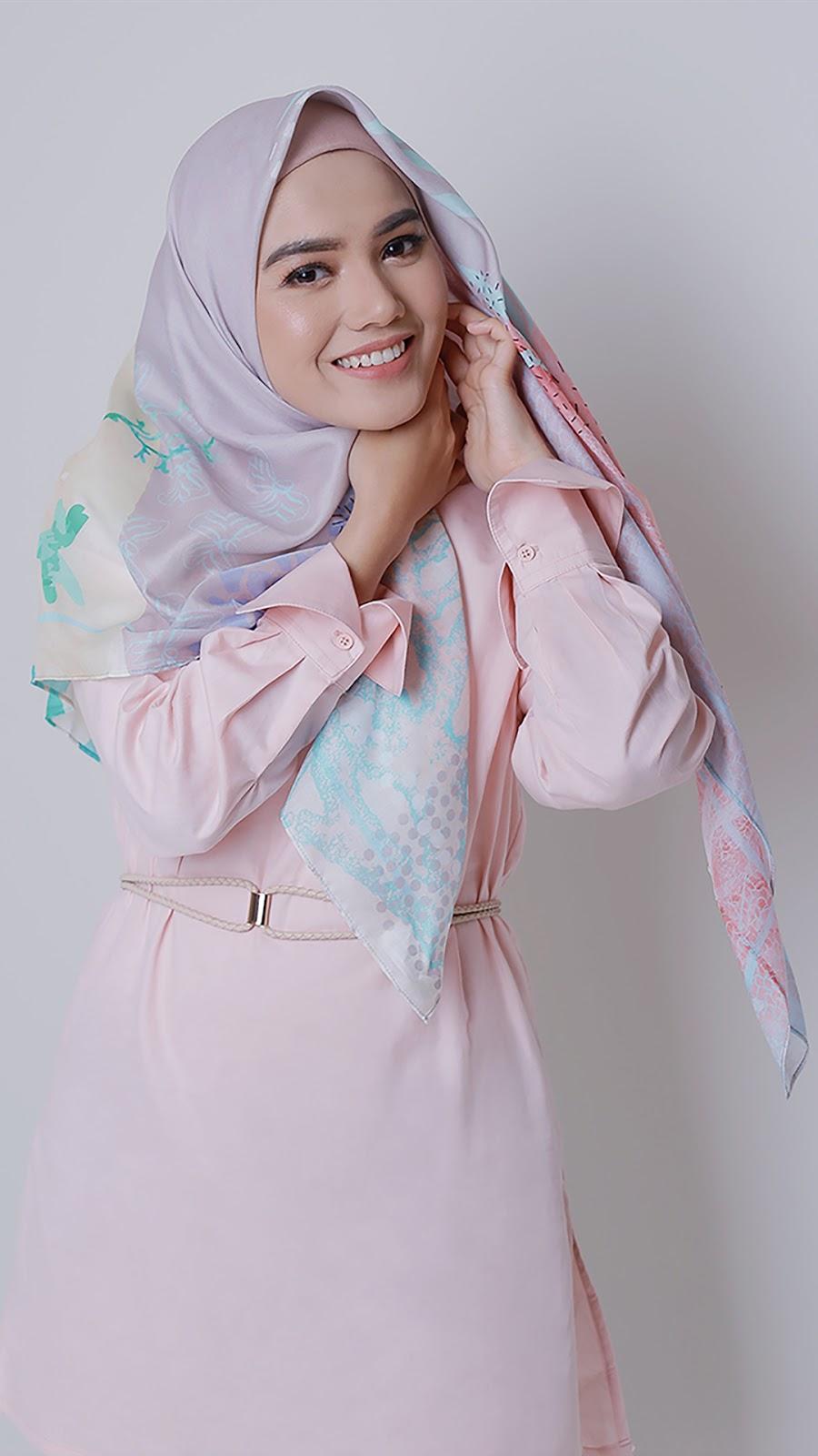 wallpaper muslimah terbaru gadis Cewek IGO manis