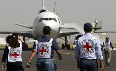 وزير الداخلية اليمني يدعو لتكثيف الجهود الإنسانية في البلاد