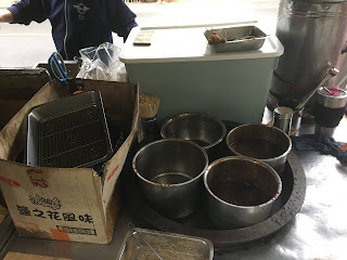 家傳特製黑胡椒醬與蘑菇醬