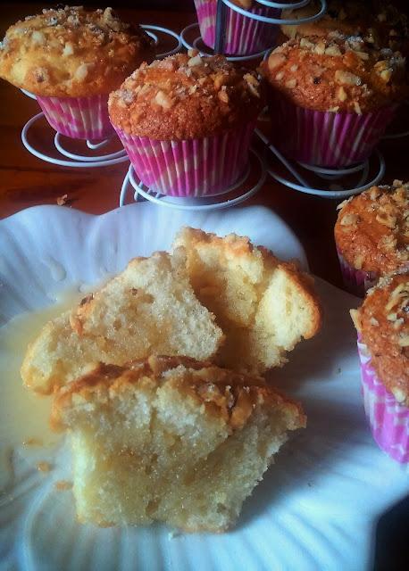 magdalenas-con-avellanas-y-toffee, hazelnut-cupcakes