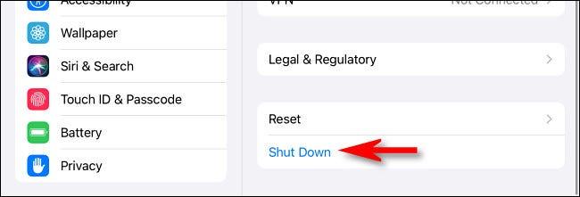 """في إعدادات iPad العامة ، انقر على """"إيقاف التشغيل""""."""