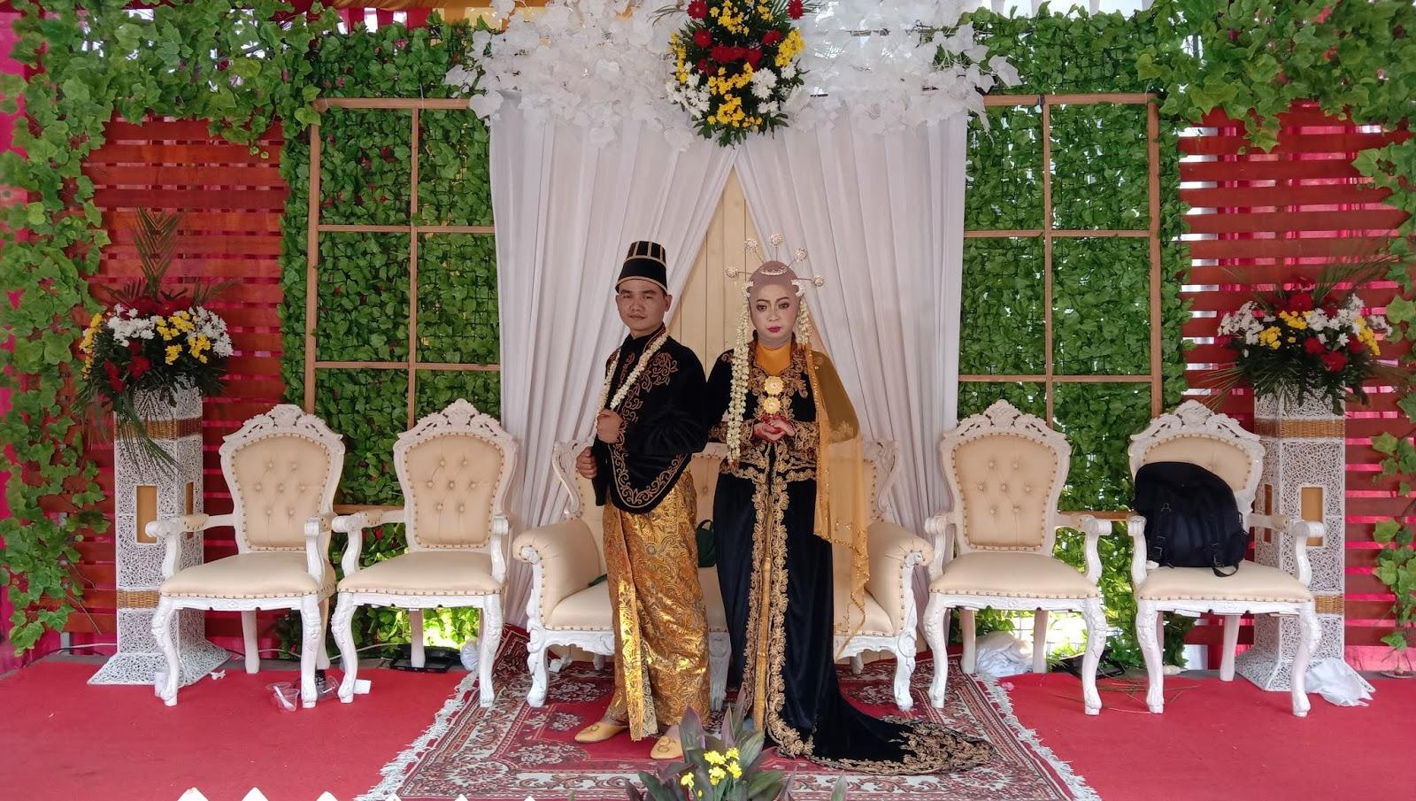 Pernikahan Tri Wahyuningsih dengan Dede Budiyanto