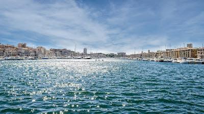 E Agora Para Algo Completamente Diferente: Análise Crítica/Turística a Marselha (França)