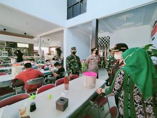 Tiga pucuk Pimpinan Dandim, Kapolres, Kajari turun Langsung Penertiban PPKM Darurat di Mayong
