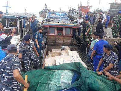 TNI AL Gagalkan Penyelundupan Rokok Ilegal Sebanyak 235.000 Bungkus Rokok di Perairan Kuala Tungkal