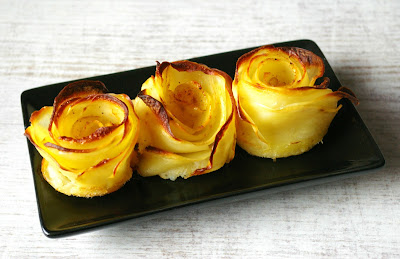 plasterki ziemniaków zapiekane w formie róży