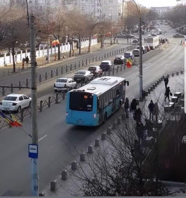 Domnul Orban vrea cumva și o bandă specială la Metrou?!