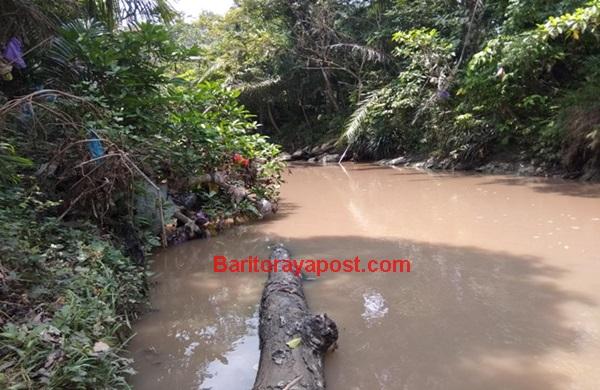Benarkah, Sungai Buhut Diduga Tercemar Limbah??