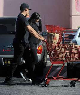 Kylie-Jenner-Shopping-in-Los-Angeles--01+%7E+SexyCelebs.in+Exclusive.jpg