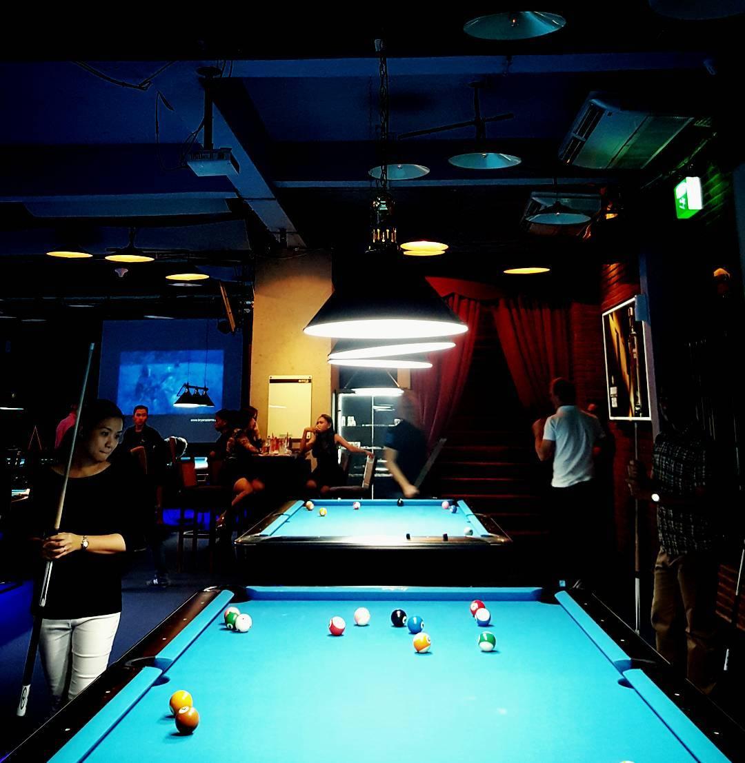 Playing Pool In Jakarta Billiard Jakarta100bars Nightlife Reviews Best Nightclubs Bars And Spas In Asia
