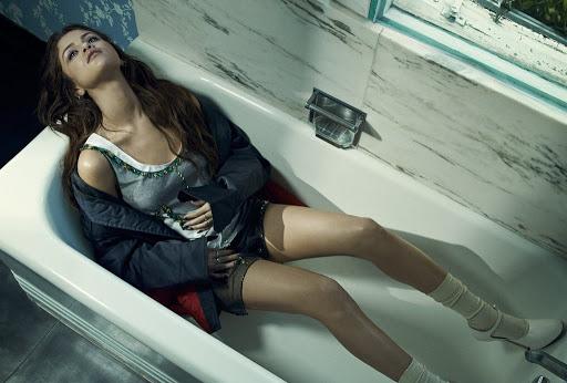Selena Gomez hot model photo shoot for Vogue Australia magazine