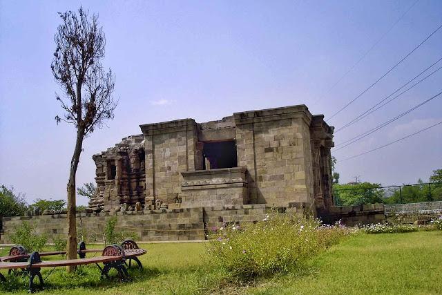 kala dera temples lost kashmir picture
