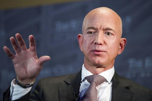 جيف بيزوس يقرر التنحي عن منصب الرئيس تنفيذي لشركة أمازون