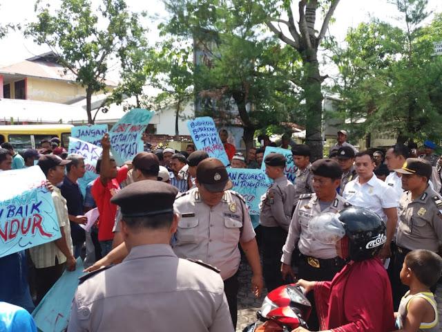 Kena Dampak Reklamasi, Nelayan Demo Camat Belawan