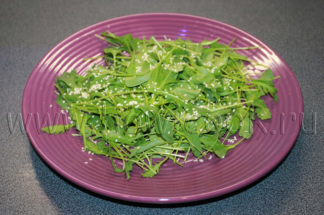 рецепт салата с креветками и рукколой с пошаговыми фото