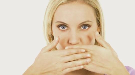 أسباب وعلاج جفاف الفم