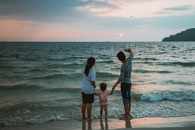 Finding The Best & Cheap Family Vacation Packages Online