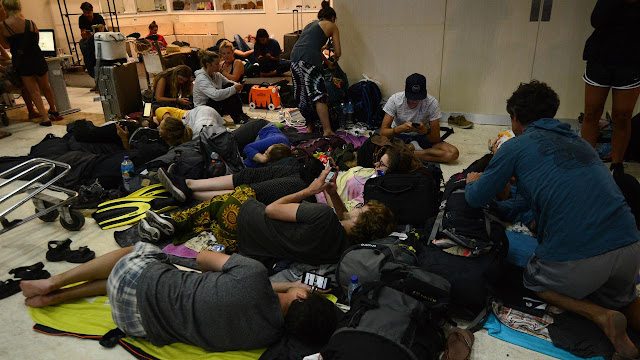 Akibat Gempa Yang Terjadi Di Lombok Banyak Turis Membatalkan Penerbangannya