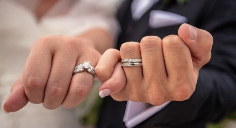 5 Helpful Tips for Buying Custom Made Engagement Rings 2021