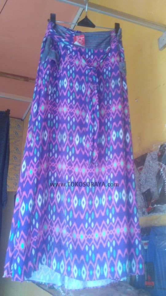 gambar produk rok ungu bercorak batik murah
