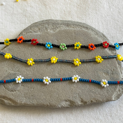 Beaded Daisies on a String Tutorial