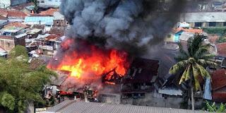 Kebakaran di Malabar Bandung Kini Didatang Pemiliknya Untuk Melihat sisa-sisa Amukan Sijago Merah