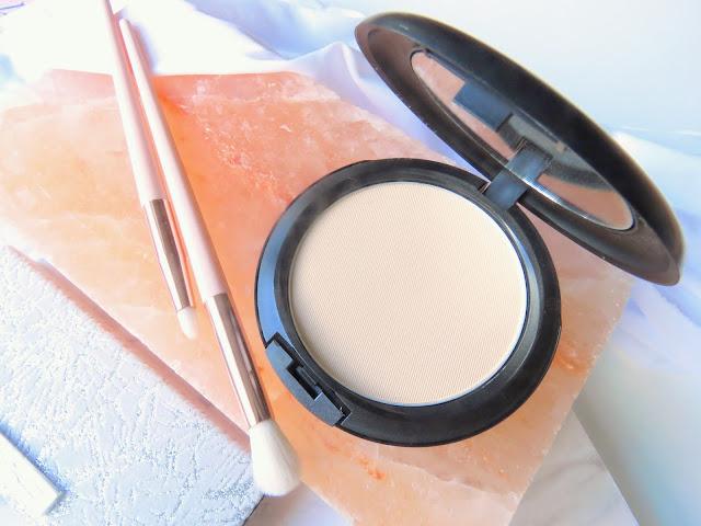 MAC Studio Fix kompaktny puder a make-up v jednom