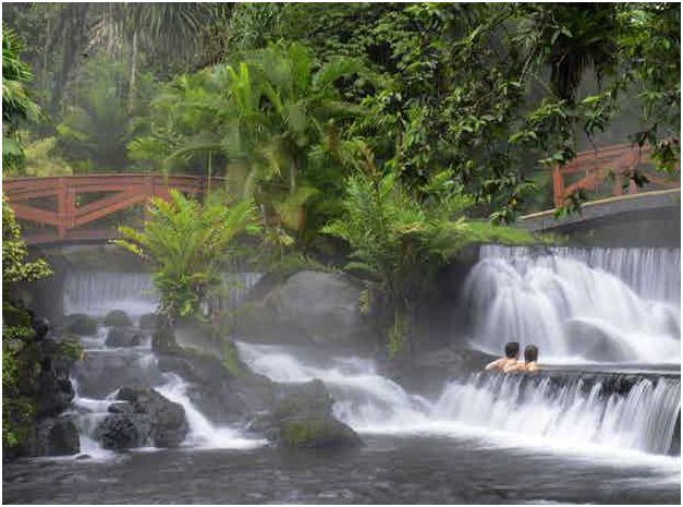 Where to swim for free at Rio Chollo Tabacon Hot Springs in La Fortuna, Costa Rica