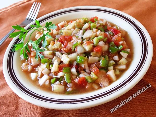 Ensalada marroquí de tomate, pimiento y cebolla