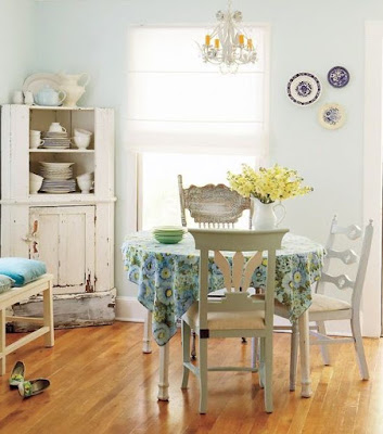 Cottage style dining room idea for small space