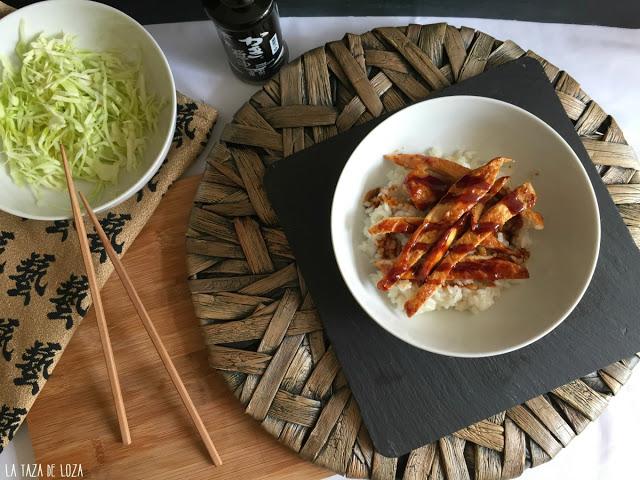 pechugas-de-pollo-con-col-cruda-y-arroz