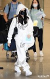BLACKPINK Jennie arrived in SK from her LA Trip, Knetz comments.