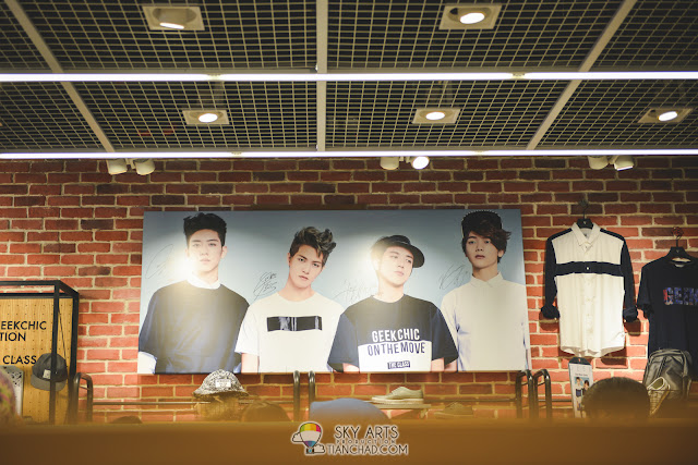 CNBLUE autographed canvas at The Class Mid Valley Megamall
