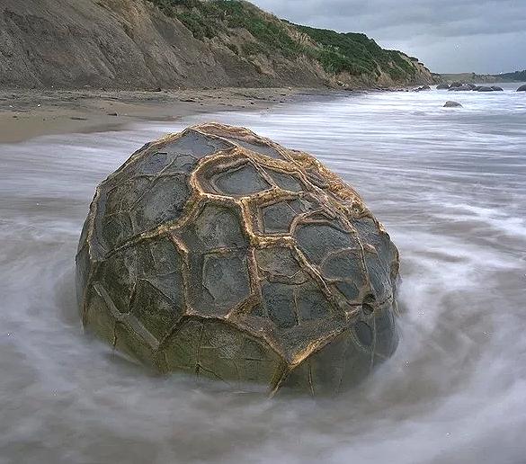 esferas7 - El misterio de las PETROESFERAS dispersas por el planeta con ENIGMÁTICO significado