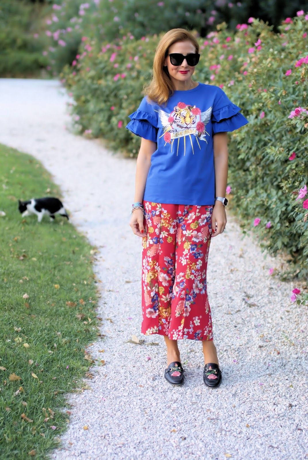 Floral pants and mules on Fashion and Cookies fashion blog, fashion blogger style
