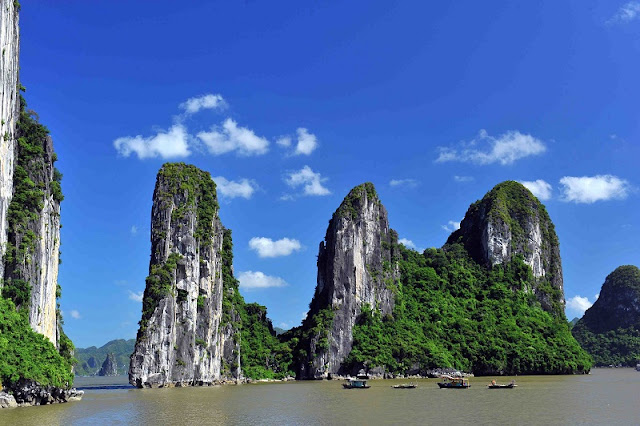 Family tours in Halong Bay - relaxing holiday in Vietnam 2