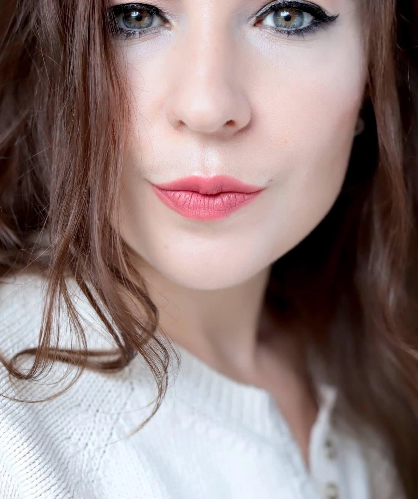 Pat McGrath Mattetrance Lipstick Candy Flip test