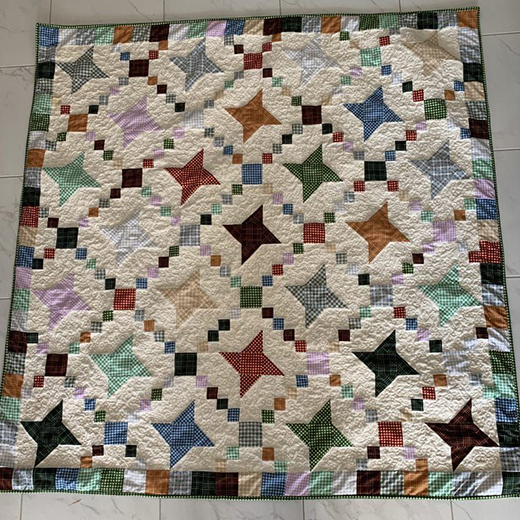 Fettered Friendship Stars Quilt designed by Susie Stuklis of Susies-Scraps