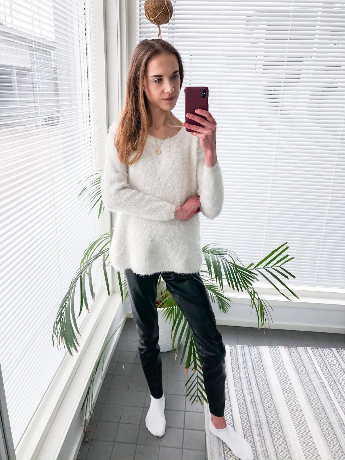 Black and white outfit inspiration - Mustavalkoinen asu, muoti, bloggaaja, inspiraatio