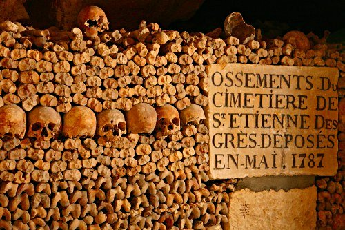 Catacomb of Paris kuburan paling unik dan aneh yang ada di paris perancis