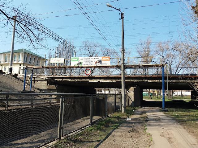Залізничний шляхопровід через вулицю Ярмаркову (Кременчук)