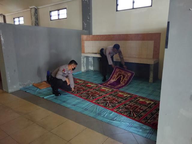 Satpolairud Polres Kotim rutin melaksanakan kegiatan rutin Jum'at bersih