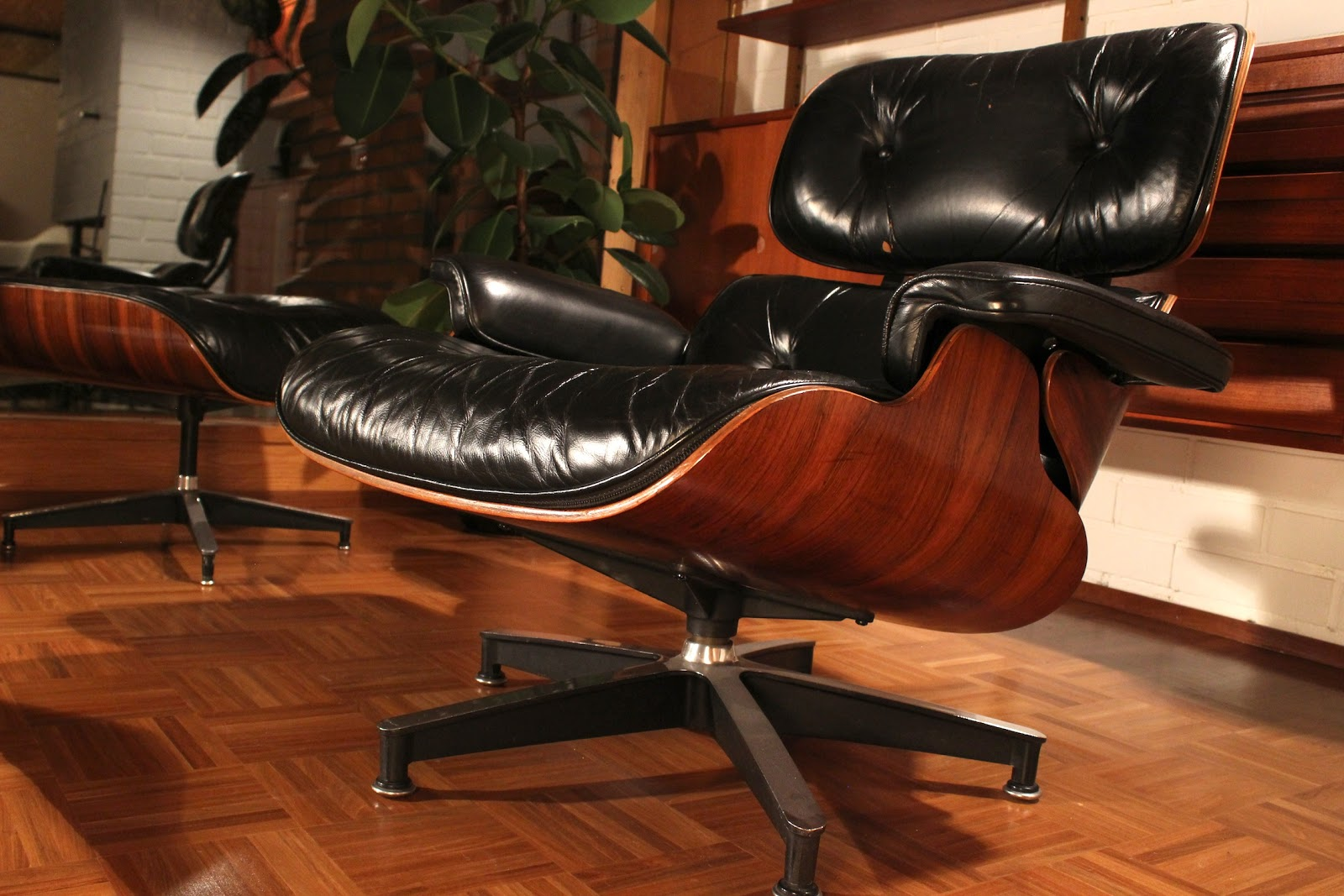 Eames Lounge Chair Used With Casters Olive Green